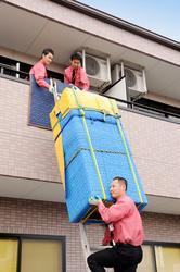 家具の吊り上げ吊り下げ